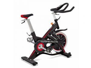 Comparatif vélo d'appartement : Toorx SRX 80