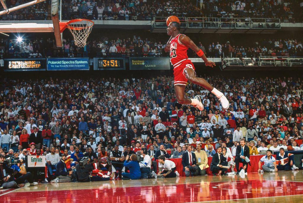 Mickael Jordan fait un dunk