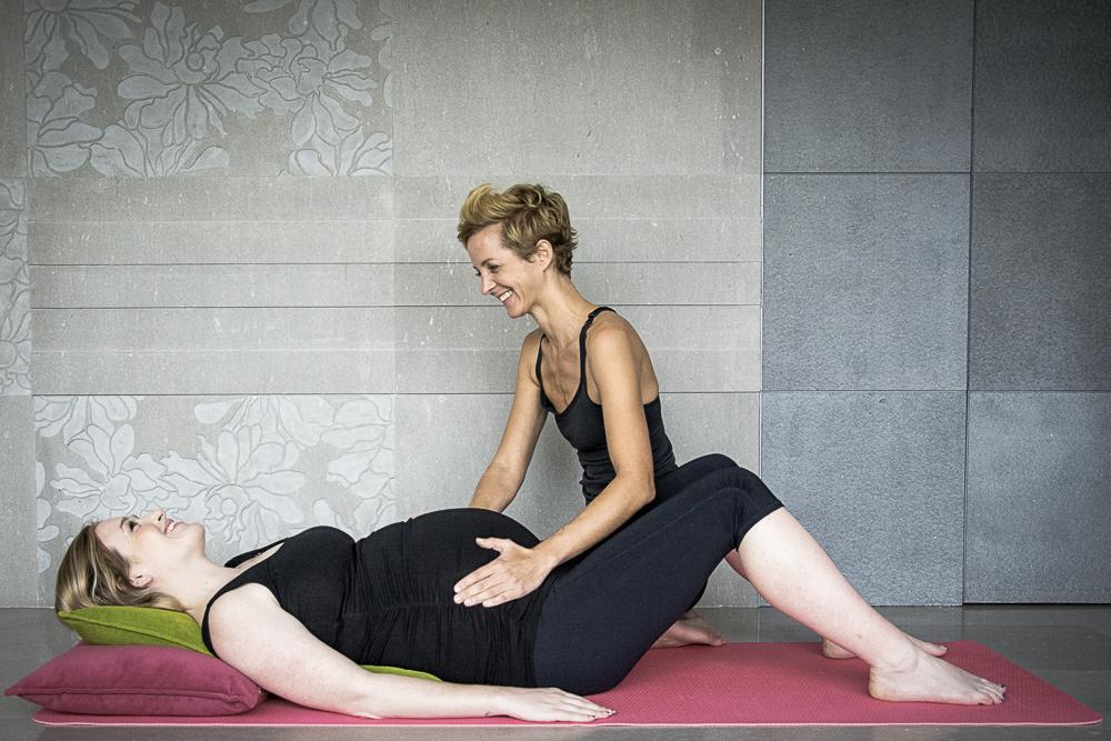 Coaching yoga femme enceinte