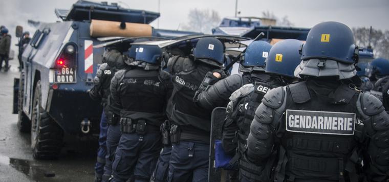Colonne de gendarmes