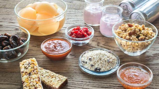 Différents aliments avec des indices glycémiques variables