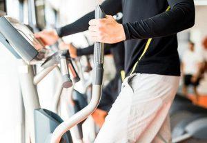 machine de cardio training pour s'entraîner en salle de sport