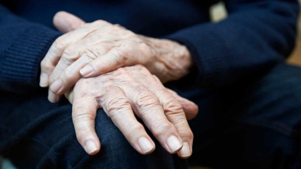 Homme souffrant de la maladie de Parkinson