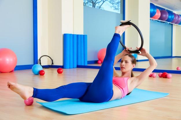 pilates ring pour renforcer les abdominaux