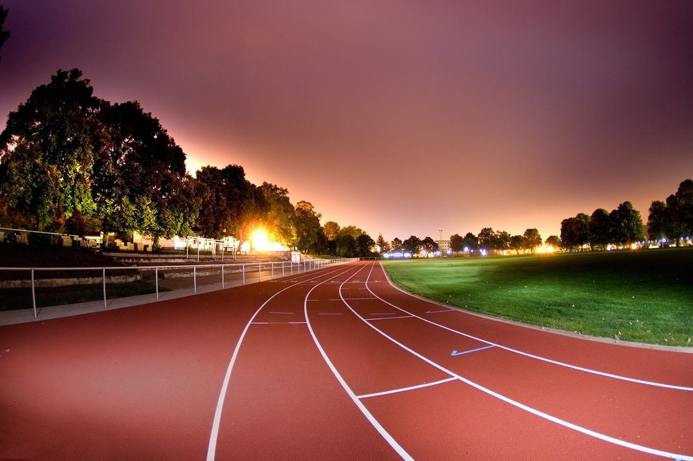 Endurance en course à pied : séance de fractionné dans un stade