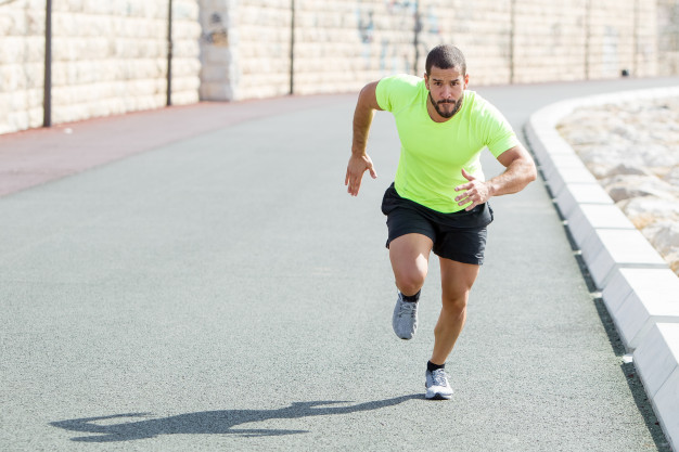 vitesse de course : pratiquer l'entrainement fractionné