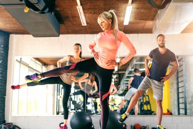 échauffement fitness en cours collectif