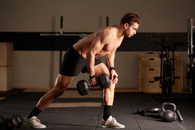 cross training : renforcer son dos avec des haltères