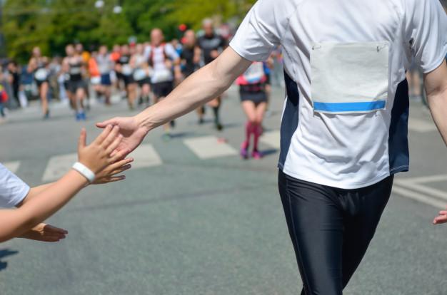 participant d'un marathon en pleine épreuve