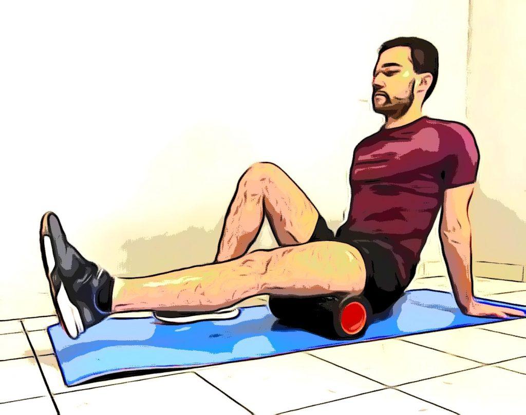 Un sportif réalisant un massage running afin d'optimiser sa récupération en course à pied