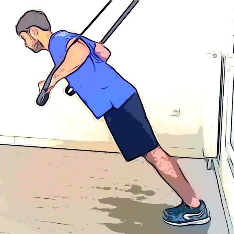 Pompes : un exercice réalisé avec un TRX pour muscler le haut du corps