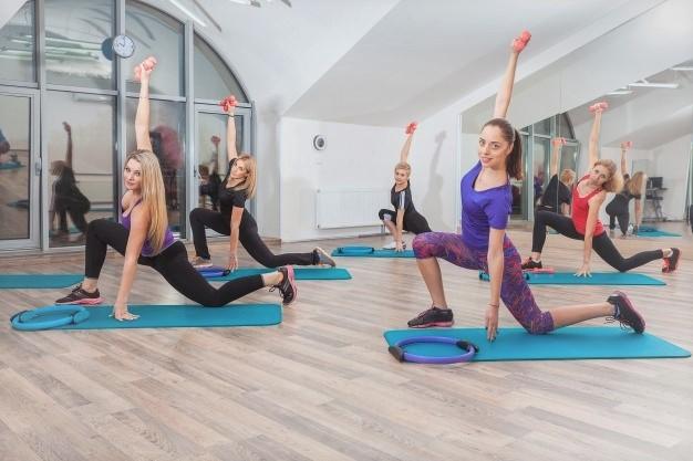 exemple d'une séance de fitness réalisable à la maison